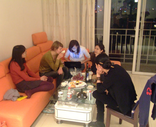 meet-up-at-the-apartment